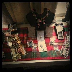 Women n Men Jewelry